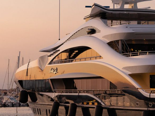 Limousine service for yachting 2 |