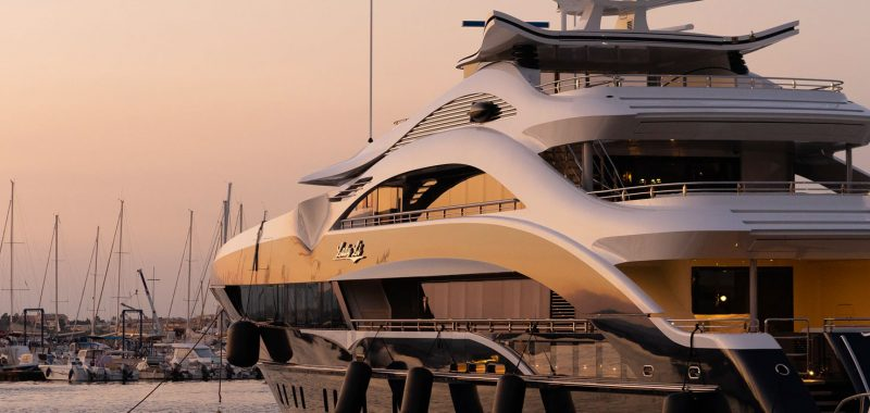 Chauffeur service for yachting industry