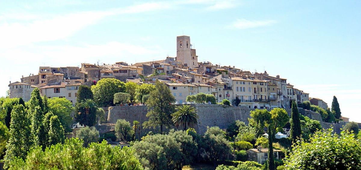 Venez découvrir le magnifique village de Saint Paul de Vence avec ses vestiges du passé et sa nature incroyable
